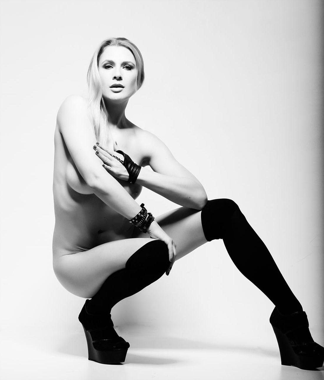 Nackt Robynne Eaton  Gal Gadot